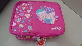 Smiggle tempat makan lunch bag