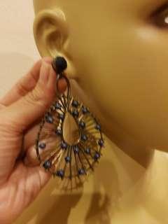 Anting earrings
