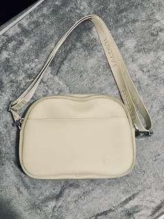 AUTHENTIC   Lacoste: Sling Bag