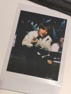 BTS V TAEHYUNG WINGS TOUR IN HK polaroid