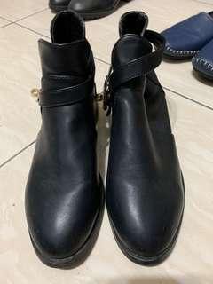 二手 氣質黑 短靴