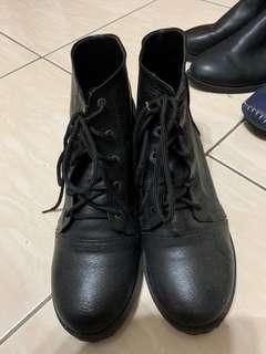 二手 黑色短靴