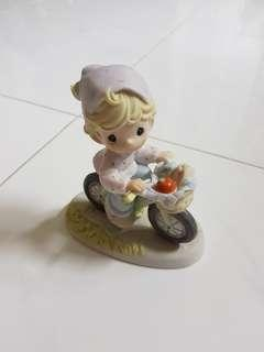 Precious Moments Figurine - The Road to a Friend is never long