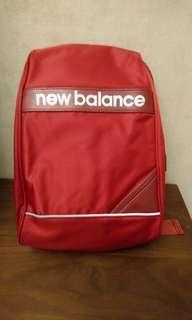 New balance NB多功能防盜單肩後背包 背帶前可放手機  需先付款才出貨