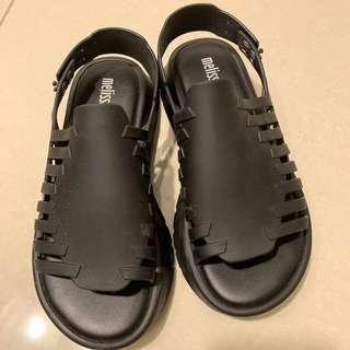 🚚 Melissa platform sandals