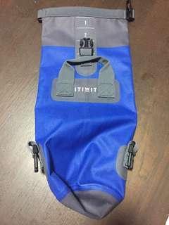 🚚 Decathlon waterproof drysack