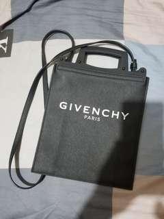 givenchy crossbody 100% real 90% new