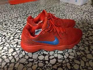 🚚 Nike hyperdunk us9.5