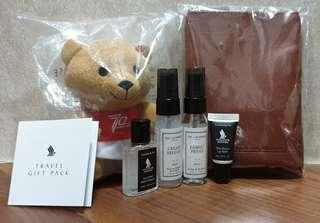 Singapore Airlines' Business Class amenity kit (Bear 🐻 included)