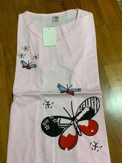 🚚 Girls t-shirts (size:140cm) suitable for ages 8-10