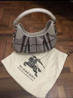 Authentic Burberry Smoked check Brooklyn Hobo.