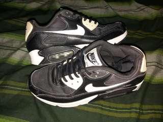 Nike Air Max 90 Essentials, US7.5/38.5/24.5cm. Second original!