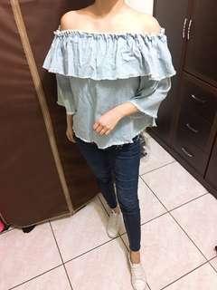 🚚 #現貨 挺版藍露肩兩穿上衣