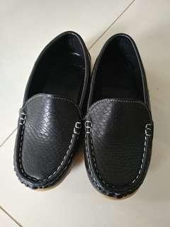 黑色皮鞋 99% 新