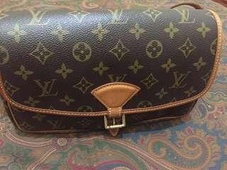 Authentic Louis Vuitton Monogram Canvas Sologne Sling Bag