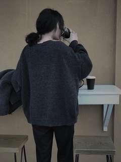 Dogoose 鐵灰色毛衣