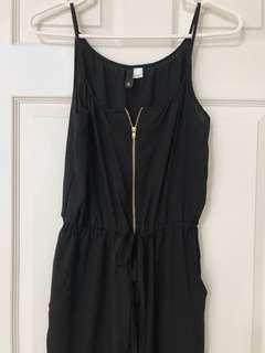 H&M Black jumpsuit with gold zipper size 6