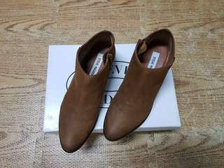 🚚 Steve madden咖啡色真皮短靴