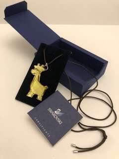 🚚 Swarovski crystal giraffe necklace