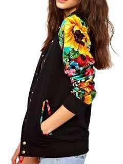 1折只限3天♥全新英國ASOS全新彩色印花長袖黑色棒球褸外套♥男裝女裝 歐美 Bomber Jacket With Floral Sleeves not Moussy SLY Chanel Dior Zara F21  韓國 日本