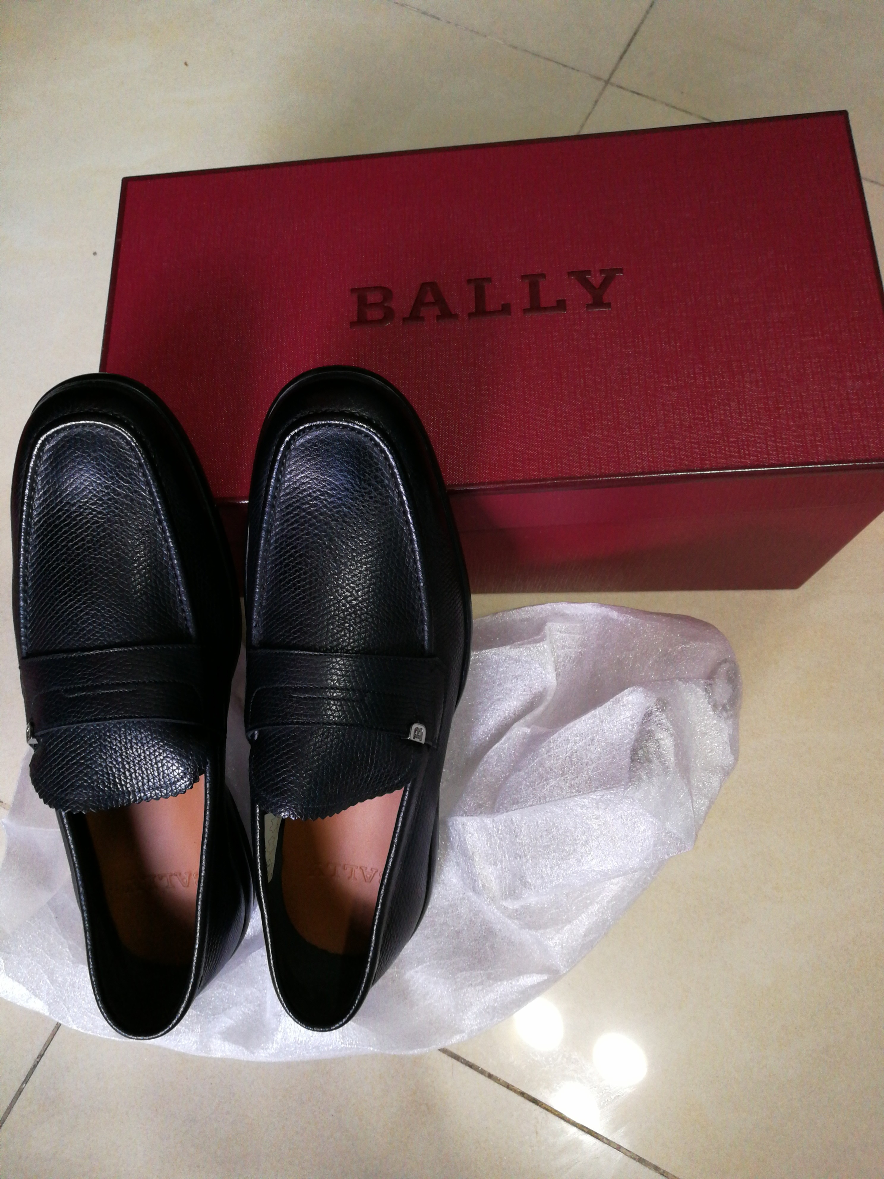 30602576112e Bally Midwest Black Calf Grained