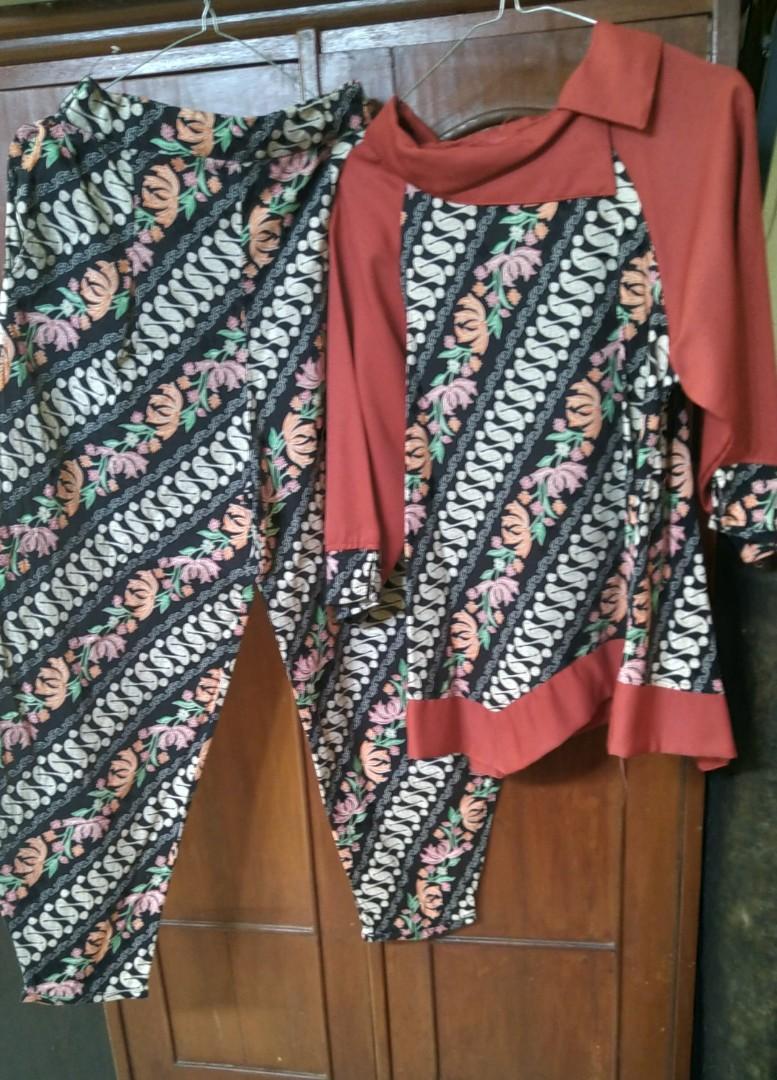 Batik setelan Wanita