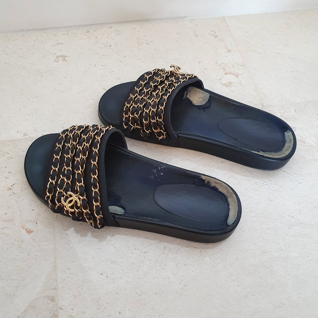 9e270eee2a39 Auth Chanel Chain Pool Slides sandals