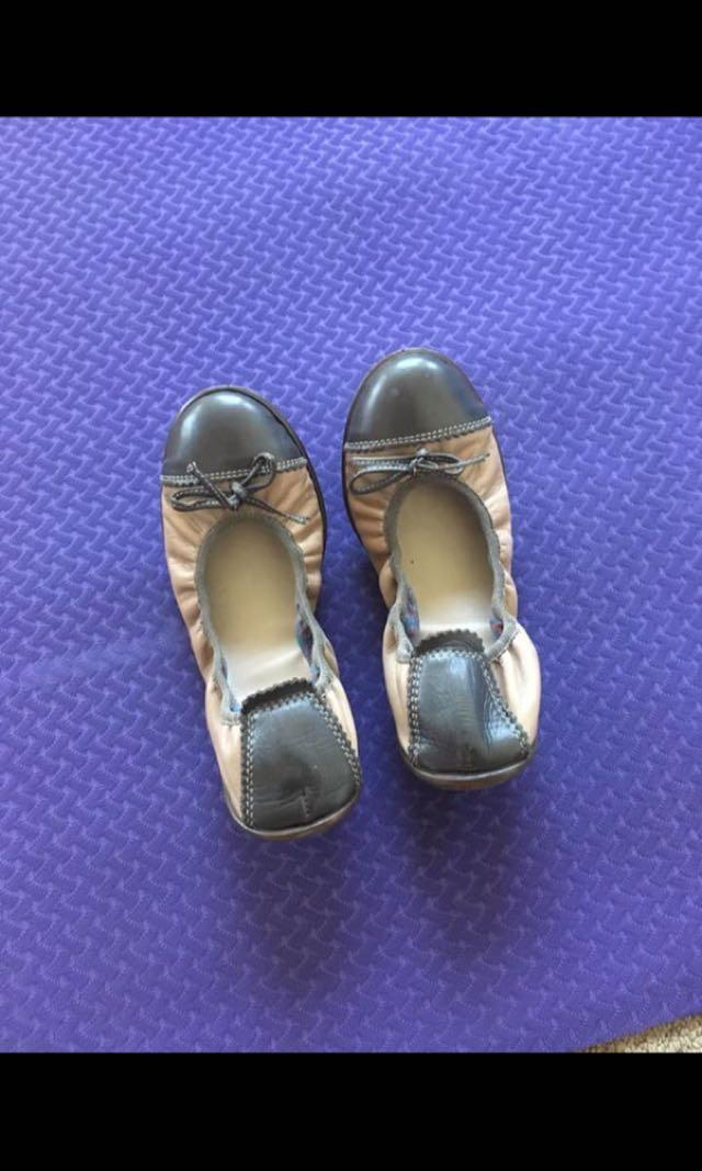 Handmade leather ballet flats