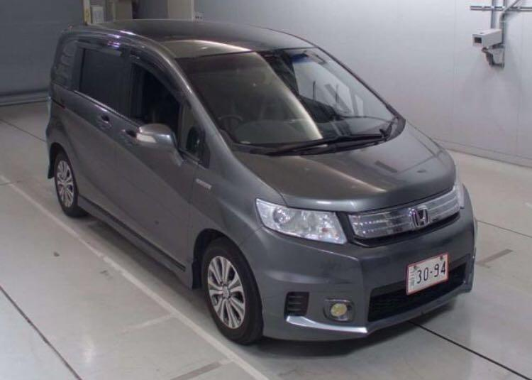 HONDA FREED SPIKE HYBIRD 雙電5座 201