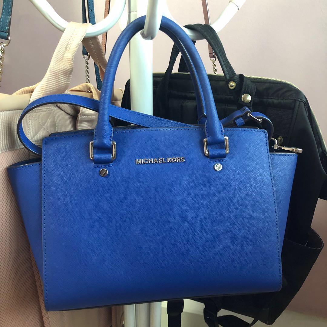 19ad39b8ea8a87 Michael Kors Selma (Seasonal Blue), Women's Fashion, Bags & Wallets ...