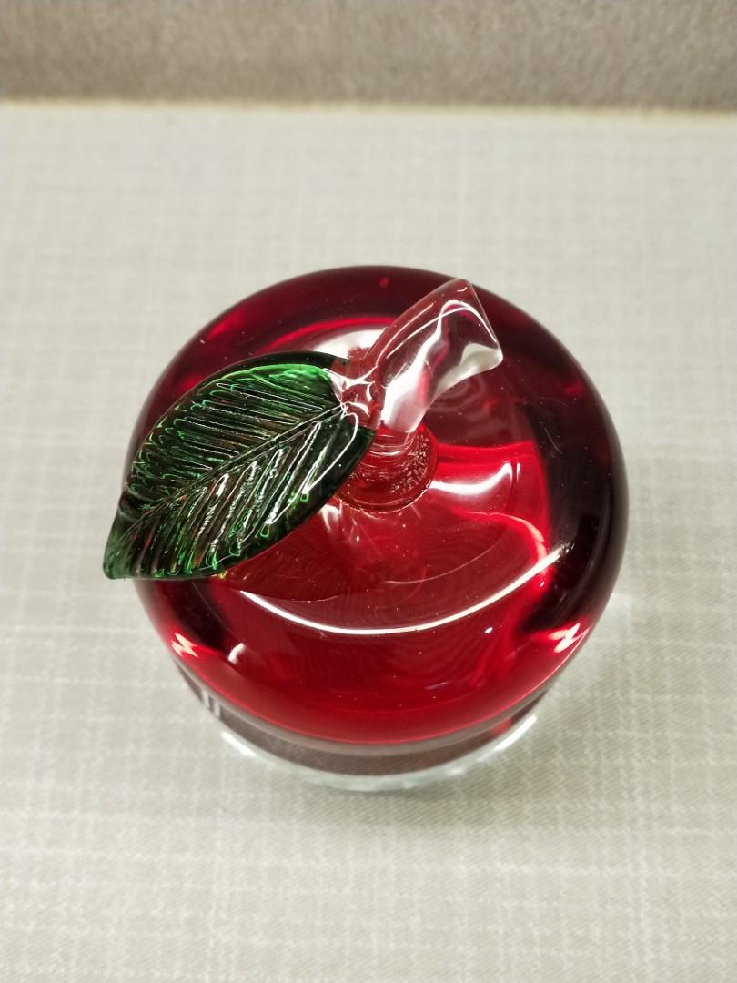 New Red crystal apple with base for sales