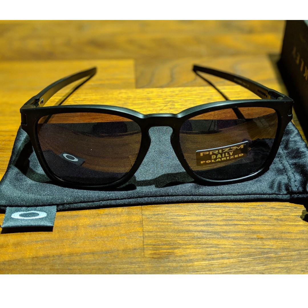 4e132d9be5 Oakley Latch® Square (Asia Fit) • Matt Black Frame • PRIZM Daily ...