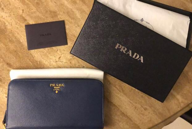 faef41dfe746 Pre-Loved Authentic Prada Saffiano Metal Long Zip Around Wallet ...