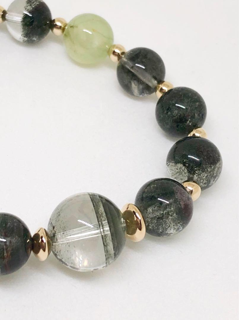 Ready to take on new challenges with an improved luck ? Green Prehnite & Phantom beaded bracelet can bring positive career and love change !
