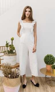 🚚 The Stage Walk Flutter sleeve white stripe jumpsuit