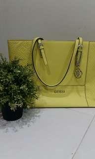🚚 GUESS-Handbag
