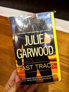 🚚 Fast Track by Julie Garwood