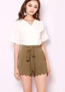 🚚 Monice Scallop Tie Shorts