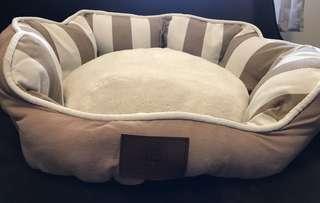 American Kennel Club Dog Bed