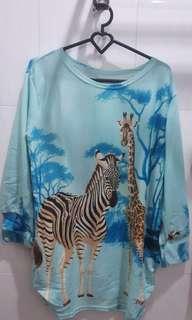 Blouse Biru Gambar Zebra
