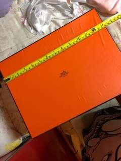 徵Hermes Box 34 x 20 x 25cm