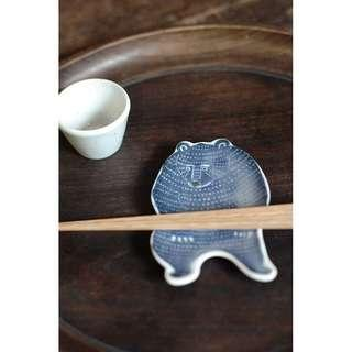 🚚 倉敷意匠 kata kata 藍熊 印判手 豆皿