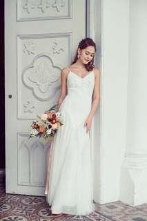 🚚 White Wedding Gown