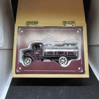 Hershey Diecast Syrup Truck In Wooden Box