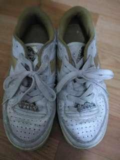 🚚 Diadors白色休閒運動鞋