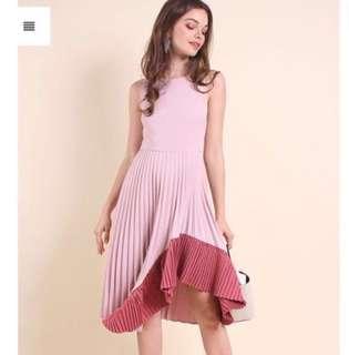 neonmello uneven hem pleated dress in rose pink