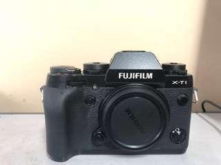 Fujifilm x-t1 good condition. Complete with box