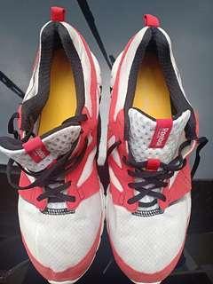 Jual Cepat Sepatu Lari Running Reebok