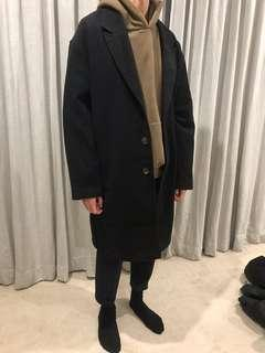 oversize black coat