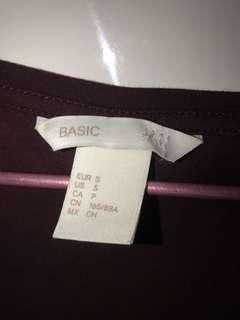 H&M basic maroon t shirt